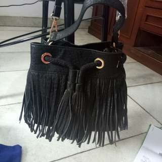 New Zalora cute sling bag hitam