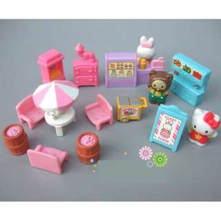 NEW Hello Kitty and friends miniature ice cream cake shop playset