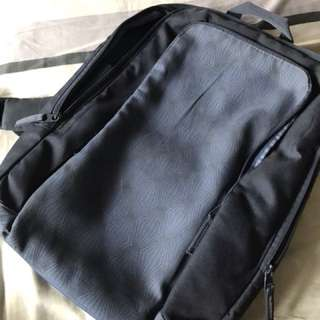 FLASH SALE - LAST PRICE - Blue Belkin Backpack with Laptop Compartment