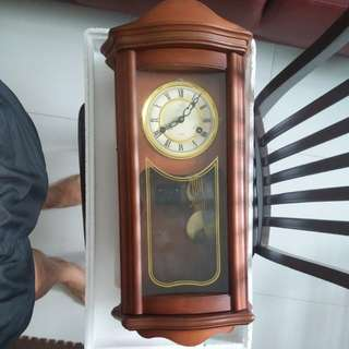 Hourly clock