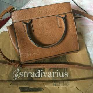 Tas Stradivarius ori with paper bag