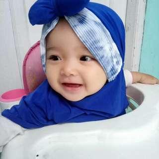 Jilbab najwa biru