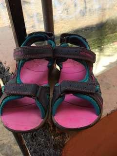 sepatu sendal merrel