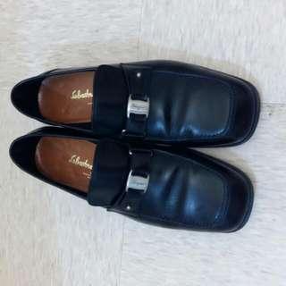 Ferragamo Shoes Size 37.5