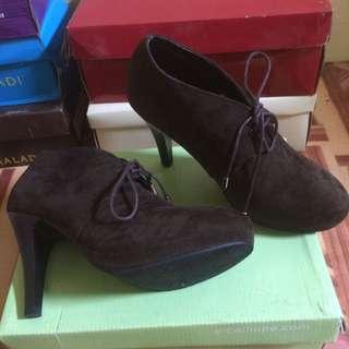 Calliopse Boot Heels