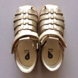 BOBUX Children Shoe - Gold Skip Sandals (EU 22 and 23)