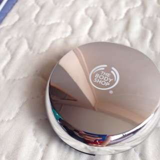 Body Shop All-in-One Face Base Double Function