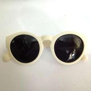 Sky Glasses (Broken White)