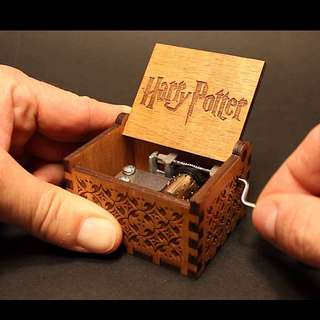 HARRY POTTER MUSIC BOX (INSTOCK)