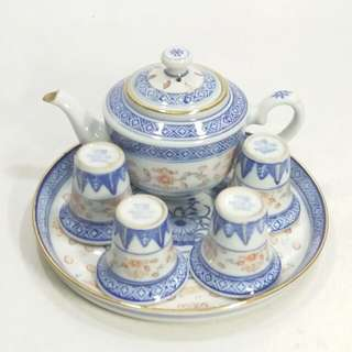 80年代 青花加彩玲瓏小茶具