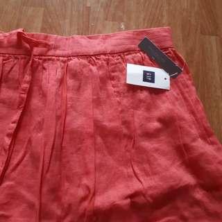 Authentic GAP skirt brand new