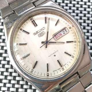 Sekio 6309-906L 精工中古錶, 原裝銀色面,無番寫,品相見圖 6309自動機芯,已抹油,行走精神 ,大錶頭37mm不連的,原裝鋼帶,淨錶一隻$850,有意請pm