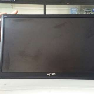 Monitor LCD Zyrex 19 inch bagus