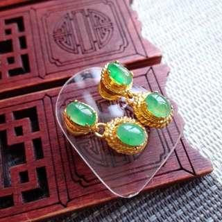 翡翠A貨3號種好水潤細膩滿色滿綠託銅耳環一對走價格包郵順豐不議不退,配送證書