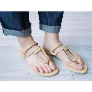 【Doriskorea購買】全新現貨三角鏤空拖鞋-杏 拖鞋 正韓 簍空 夾腳