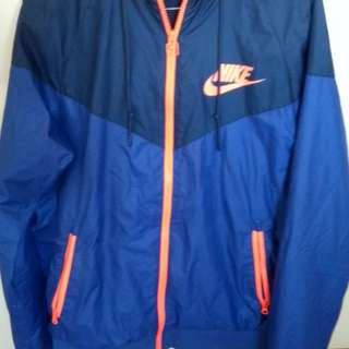 Nike Mens Small Wind breaker runner spray jacket