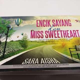 """Preloved Malay Novel """" Encik Sayang & Ms Sweetheart"""""""