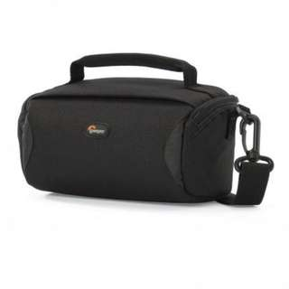 LOWEPRO FORMAT 110 SHOULDER BAG - BLACK