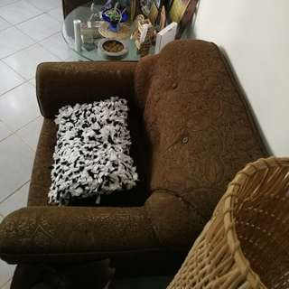 2 pieces 1 seater sofa for 2k