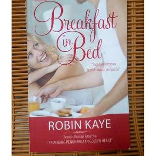 novel beakfast in bed