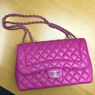 90% new Chanel Classic 30cm Pink😍😍