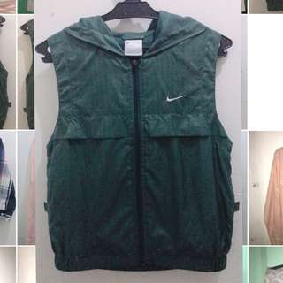 Nike Hooded Vest (preloved) 4-7 y/o