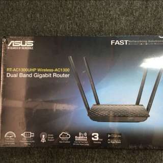 ASUS RT-AC1300UHP Wireless-AC1300 Dual Band Gigabit Router