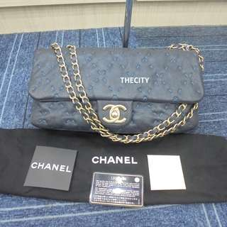 AUTHENTIC CHANEL DARK BLUE CAVIAR LEATHER , SEASONAL FLAP BAG - LIKE NEW !