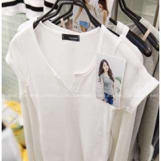 rena 正韓製 V領修身羅紋T恤