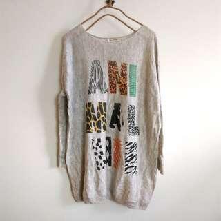 日本品牌   極柔軟 英文字母 動物 針織 長版 上衣 洋裝