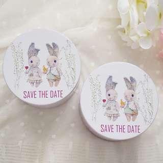Save The Date兩小無猜兔兔圓型包裝鐵盒 100個入W108