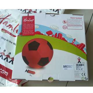 (New & 50% OFF) Hamleys Giant Football