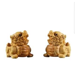 (1 pair) Wood craving PiXiu 木雕貔貅
