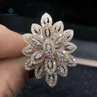 18K 玫瑰金 足反鑽石戒指