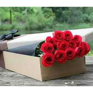12 Red Roses In Gifts Box - 0101