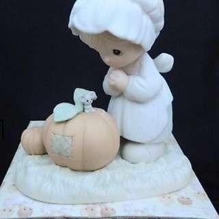 Precious Moments Figurine & Box October Calendar Girl Pumpkin Mouse 110094