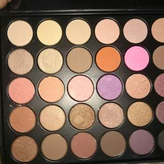 On hand Morphe 35W cosmetics replica only