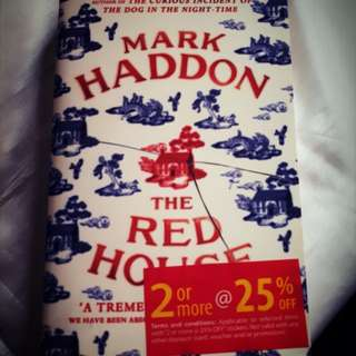Book: Mark Haddon - The Red House