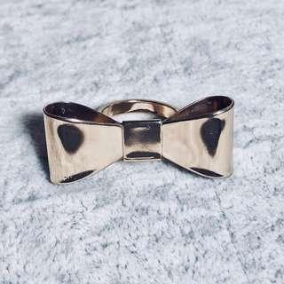 金色蝴蝶結戒指