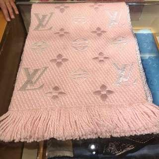 現貨全新Lv粉色羊毛圍巾
