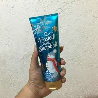 Bath And Body Works Frosted Coconut Snowball