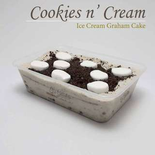 Cookies and cream graham cake