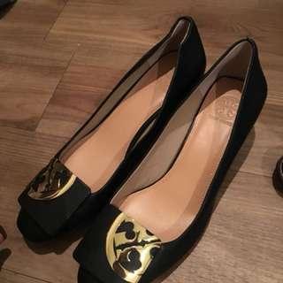 Toryburch 黑色中跟上班鞋