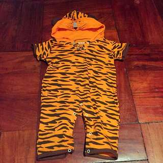 Tiger onesie for 6-9mos old