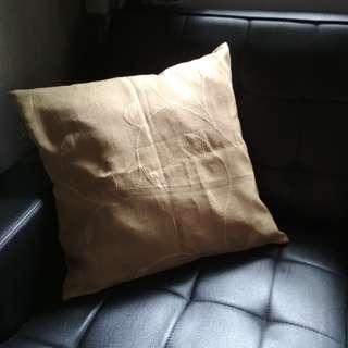 Bantal Sofa Motif Unik 2