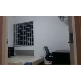 Common room @Admiralty for rent