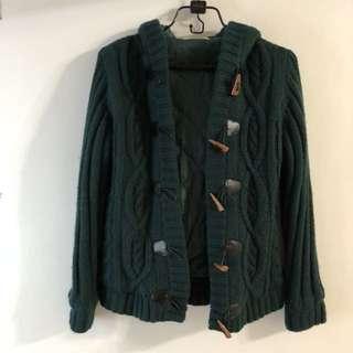 🚚 MATSUMI 牛角釦針織編織保暖厚外套 綠色