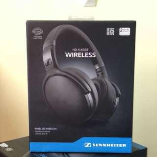 Brand new Sennheiser HD4.40 Bluetooth ( Seal box )