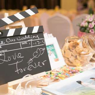 Photo booth + table decoration & candy bar
