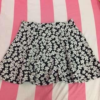Divided H&M black flower skirts